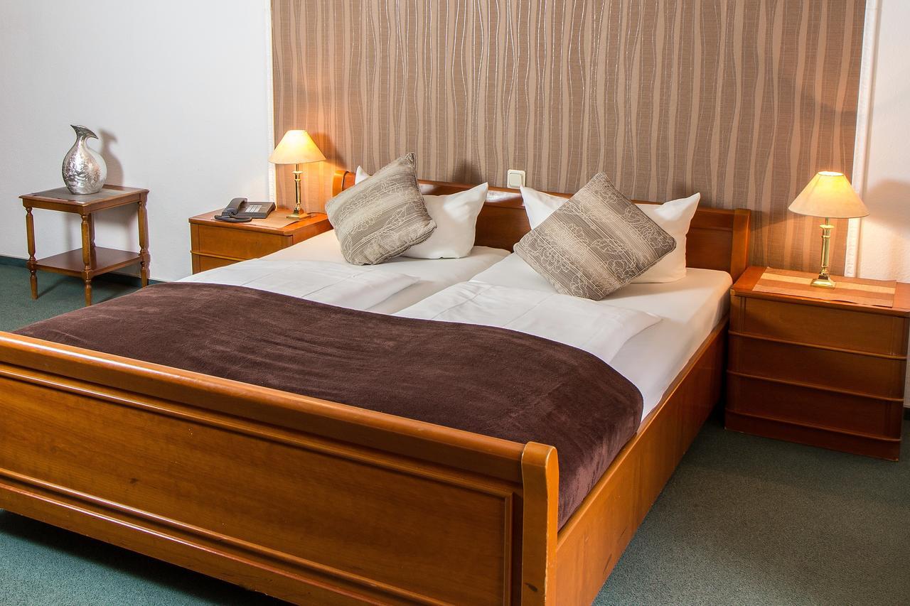 Domspatz Hotel Boardinghouse Cologne Germany Flyin Com